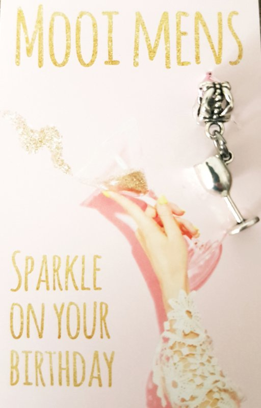 Mooi Mens kaartje -Sparkle on your birthday (champagneglas)